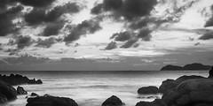 Playa de Samil, B/N. (dfvergara) Tags: vigo galicia españa samil playa playadesamil agua rocas mar cielo nubes cies islas islascies atardecer largaexposicion