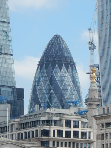 Gherkin (Swiss RE), Norman Foster and Ken Shuttleworth (Architects), 30 St. Mary Axe and the Monument, London