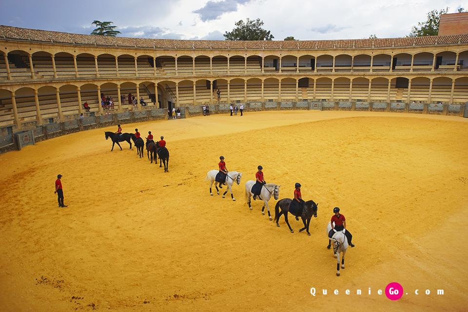 在龍達鬥牛場(Plaza de Toros de Ronda)遇上古典式馬術表演