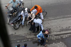 A3350 (lumenus) Tags: india maharashtra mumbai bombay bandra street accident bicycle motorbike pedestrian