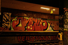 ([gegendasgrau]) Tags: atmo atmosphere ambiance mood moodylight urban urbanscenario light licht neon signs schilder pfeiler beton concrete city stadt bahnsteig platform railway eisenbahn station bahnhof untergrundstation undergroundstation gleis track dirty infrastruktur infrastructure architecture architektur dust staub dreck spinnweben cobweb achtung attention graffiti graff writing vandalism 1up oneupcrew tags trainline colors farben bombing dortmund dorstfeld nrw ruhrpott ruhrgebiet