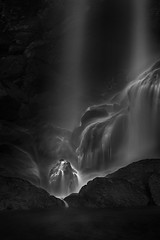 Quicksilver (David Young - LandscapeExposure.com) Tags: waterfall bw longexposure columbiarivergorge serene landscape monochrome