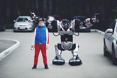 My frend (Sergey_Fotogray) Tags: cars box summer boy frends robot