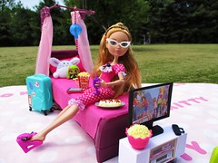 Popcorn and a 🎬 (flores272) Tags: ashlynnella everafterhigh barbiefurniture bratzfurniture dollclothing barbiebed purplebarbiebed doll dolls toys toy outdoors