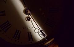 Horloge  Bagnols - Clock Bagnols (p.franche malade - sick) Tags: europe pfranche pascalfranche hdr dxo flickrelite lx3 panasonic lumix gard horloge antiquité clock antics bagnols bagnolssurcèze macro aiguille ombre shadow