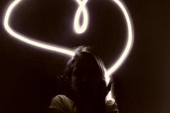 20170519_150136[1] (Vittória Cataldo) Tags: desenhar luz irmã coração
