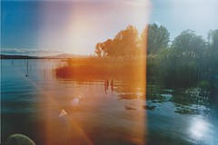Analog - Lake (Giada Castorrini (Jade Osaki)) Tags: analogic lake analog roll film kodak colours lights