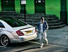 Turnaway (TwinCitiesSeen) Tags: people london unitedkingdom streetphotography twincitiesseen canont3i tamron2875mm