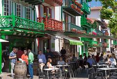 Espagne,  Guipuscoa, Fontarrabie (jpazam) Tags: espagne fontarrabie guipuscoa hendaye irun paysbasque extérieur groupe jour