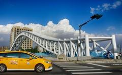 夏日印象 Summer impression (葉 正道 Ben(busy)) Tags: taichung taiwan 藍天 blueˍsky landscape 風景 街景 streetscape 藍色 blue clouds 雲 天空 sky 自然 nature summer 夏季 architecture 建築 building curve 曲線 street bridge 鋼構橋 steelˍbridge