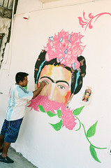 12640010 (alexdotbarber) Tags: 1250 acapulco c41 frida fridakahlo kahlo kahloboutique kodakportra160 mexico voigtlanderbessar3a voigtlandernoktonclassic40mmf14 analog analogphotography color colornegative f4 mural rangefinder