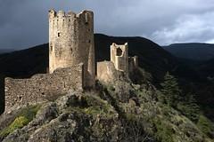 Tour Régine et château de Cabaret (Philippe_28) Tags: lastours ruines châteaux ruins 11 aude france europe tour cathare cabaret regine surdespine quertinheux