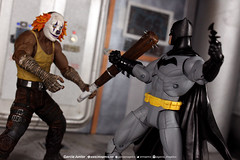 """Batman versus Thug (Garcia """"Imagética"""" Junior) Tags: ollection batman custom acessories acessórios toy actionfigures coleção brinquedo customização"""