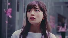 【川口春奈】「陰陽師」TVCM:蝶に誘われ振り返ったそこにいたのは?