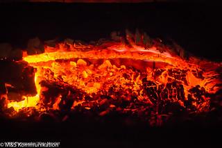 Höllenglut aufgenommen im heimischen Kamin - Hellglow photographed in the home fireplace