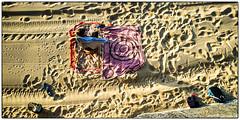 Target (-Visavis-) Tags: spain sansebastian donostia beachscene sand girl fujix100 finepixx100 shadows 35mm fromabove