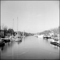 1996-12-26-0002.jpg (Fotorob) Tags: pleziervaart allesmobiel winter nederland zuidholland time vaartuig vlaardingen analoog city zeilboot holland netherlands niederlande