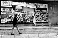 By looking at the city (pascalcolin1) Tags: paris13 homme man ville city peinture paint photoderue streetview urbanarte noiretblanc blackandwhite photopascalcolin