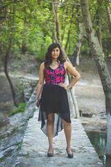 Agua (Luis Carlos Sorola) Tags: wood girl méxico mexican visitmexico slp venado verde bosque chica bolsa vestido