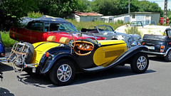 DE LA CHAPELLE 55 cabriolet replica Bugatti 1997 (claude 22) Tags: tour de bretagne abva 2017 rallye old vintage classic vehicule cars voitures automobiles collection brittany finistère france fuji fujifim morlaix fujinon cabriolet roadster delachapelle 55 replica bugatti 1997 tourdebretagneabva jaune yellow gelb 黄 gul amarillo giallo 黄色 tourdebretagne2017 claude22 claudelacourarie