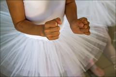Prête!!!  / Ready!!! (vedebe) Tags: danse danseurs mains couleurs sport sportifs art artiste