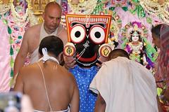 Snana Yatra 2017 - ISKCON-London Radha-Krishna Temple, Soho Street - 04/06/2017 - IMG_2990 (DavidC Photography 2) Tags: 10 soho street london w1d 3dl iskconlondon radhakrishna radha krishna temple hare harekrishna krsna mandir england uk iskcon internationalsocietyforkrishnaconsciousness international society for consciousness snana yatra abhishek bathe deity deities srisri sri lord jagannath baladeva subhadra 4 4th june summer 2017