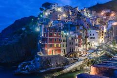 Riomaggiore (zaziboulou vous remercie de vos visites) Tags: nuitheurebleue lumièrevillage riomaggiore italie ligure