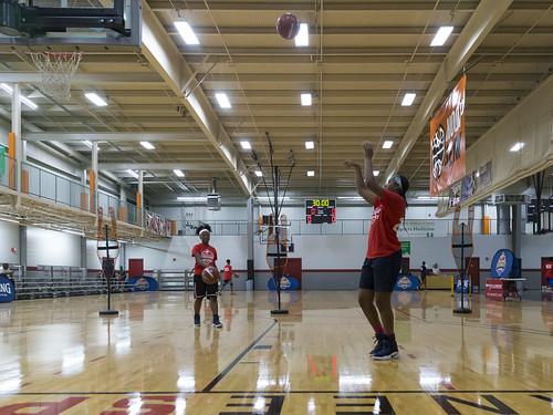 """170610_USMC_Basketball_Clinic.008 • <a style=""""font-size:0.8em;"""" href=""""http://www.flickr.com/photos/152979166@N07/35288668825/"""" target=""""_blank"""">View on Flickr</a>"""