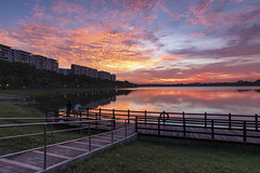 Fiery Sky during dusk period (Jacobs LB Chong) Tags: fiery cloudsformation colorful sunset reflection reservoir singapore moment dusk landscape fujifilm xt2 fujifilmsg zeiss