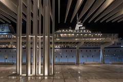 Terminal pasajeros Muelle Uno (- Cajón de sastre -) Tags: muelleuno puerto port harbor pérgola barco boat noche night nocturnalphotography fotografíanocturna málaga nikond500 tokinaatx1120mmf28prodx