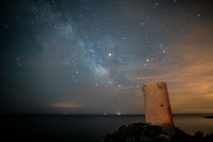 Torre Badum TimeLaspe Milky Way (xabyjordi) Tags: timelapse astro milkyway vialactea meteorito meteorit mediterranean mediterráneo torre badum peniscola peñiscola