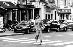 IMG_4705 (::Lens a Lot::) Tags: sigma macro 105 mm f 28 ex dg os hsm paris   2017 black white street photography light noir et blanc monochrome candid citylife people streetphotography bokeh depth field dof contrast
