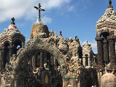 Father Dobberstein's Grotto of the Redemption (kellyludwig) Tags: grotto folkartenvironment geodes fatherdobberstein religious embellished roadtrip iphone7plusbackdualcamera66mmf28