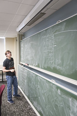 MCS_MR_Quantathon_2017_4914 (CMUScience) Tags: mcs mr quantathon students math physics po classrooms chalkboard collaboration groupwork diversity