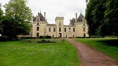 Château de Brézé (claude 22) Tags: france pays loire maineetloire château anjou castle architecture bâtiment brézé 49260 fuji parc garden fujinon xt1 18135mm fujifilm 1024mm