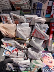Sloane Sq. 3jun17 (richardbw9) Tags: london uk england city street urban londonstreetphotography rbkc royalborough kensingtonchelsea sloanesquare chelsea newspaper newspapers newstand vendor covers folded paper face daily streetshop streetphoto ft financialtimes wow