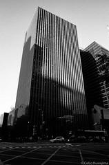 Avenida Paulista, SP (Celso Kuwajima) Tags: cityview building ilfordhp5 leicam4 outdoor bw 20170528 leicasuperangulon13421mm analogphotography sãopaulo brazil br architecture epsonv800 silverfastai