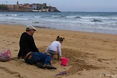 _MG_9981_edit (J.G.F - Semeyes) Tags: xixón gente street people sanlorenzo beach playa