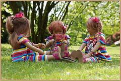 Bitte recht freundlich ... (Kindergartenkinder) Tags: grugapark essen kindergartenkinder blüte garten blume park frühling annette himstedt dolls tivi milina kind personen azalee margie annemoni