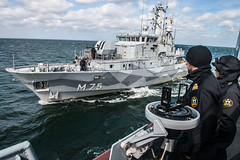 SNMCMG1 CONDUCTS PASSEX WITH SWEDISH NAVY (NATO HQ MARCOM) Tags: hswms vinga marcom sweddishnavy nato snmcmg1 standingnatominecountermeasuresgroupone alliedmaritimecommand