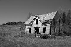 En ruine / In ruins (deplour) Tags: maisons rural county house ferme farm nb bw