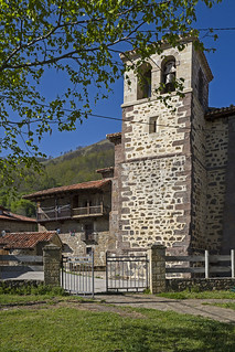 Iglesia de San Ignacio de Loyuela,Tresabuela, Cantabria.