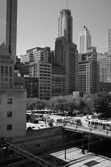 """A Basement to Penthous View"" - Chicago - 28 May 2017 - 5DS - 011 (Andre's Street Photography) Tags: chicago28may20175ds chicago city people urban monochrome scenic landscape cityscape favorite tourist destination tourism lakfront loop grantpark millenniumpark blackandwhte bw bwphotography zwartwit noiretblanc blancoynegro stad stadt ville metro metropolitan metrolopis greater chicagoland enjoyillinois chicagomagazine chicagojournal chicagotribune chicagoreader arcgutecture buildings skyscrapers skyscraper railway railroad photobyandrevanvegten canon eos 5ds ef40mmstm"