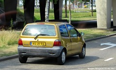 Renault Twingo 1997 (XBXG) Tags: rsjv96 renault twingo 1997 renaulttwingo schiphol nederland holland netherlands paysbas old classic french car auto automobile voiture ancienne française vehicle outdoor