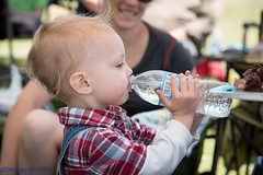 20170604-129.jpg (ctmorgan) Tags: fremont california unitedstates birthdayparty kidsbirthdayparty childrensbirthdayparty childwithwaterbottle drinking waterbottle