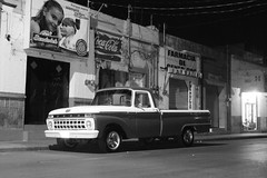 ford (eluizesk) Tags: ford night bn noche sanluispotosi lowrider slp mexicolindoyquerido