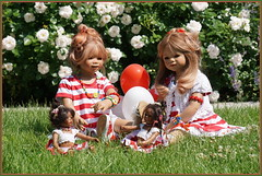 Hallo Sommer ... (Kindergartenkinder) Tags: dolls himstedt annette frühling park blume garten kindergartenkinder essen grugapark personen blumen rosen tivi jinka leleti