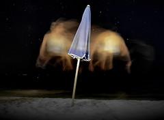 [ Provo a prendermi - Catch myself if I can ] DSC_0471.3.jinkoll (jinkoll) Tags: portrait time night girl motion umbrella sand beach sea blue game stars slash gal ghost