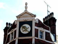 Famous 3 kings (Draopsnai) Tags: famous3kings pub pubsign pediment kensingtonandchelsea northendroad