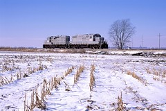 2010 01 06   3  EIRC NB, 1040, 7565 (Dropped 4541 and Grain Cars at ADM), Highway 36, Metcalf IL (Custom) (waldronyoung) Tags: eirc train metcalf il